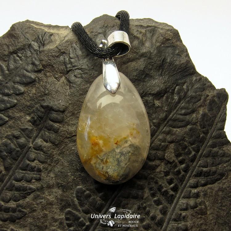 collier quartz biotite